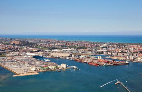 Los puertos españoles siguen batiendo récords: 545 millones de toneladas movidas en 2017