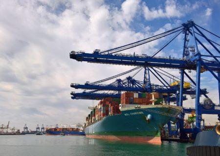 Puertos del Estado promueve la exención del impuesto al suministro eléctrico a buques en atraque